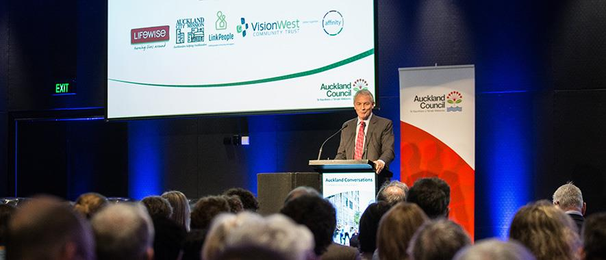Mayor Phil Goff delivers speech on housing at Auckland Conversations.