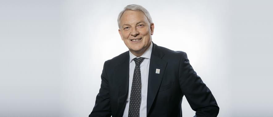 Portrait photo of mayor Phil Goff.